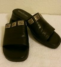"Minnetonka Black Leather Slide Sandal  1  1/4 "" Heel Sz 6 B  EC"