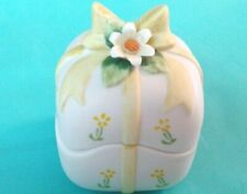 VINTAGE LEFTON 1984 2 PC. TRINKET BOX #04088 HAND PAINTED SIGNED WHITE WITH YELL