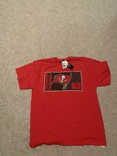 Tampa Bay Buccaneers Football Mens Size Large Red Tee Shirt Nwt Brady Gronk