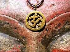 Om Aum ओ३म् Anhänger Kette Amulett an einem Band Buddha Hindu Mantra Symbol