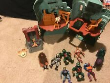 He man masters of universe GRAYSKULL castle with action figures Mattel 1981