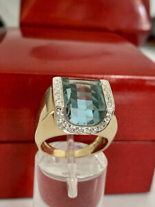 Gorgeous 14k Yellow Gold Natural .22CT Round Diamond And Blue Topaz Ring 5.5