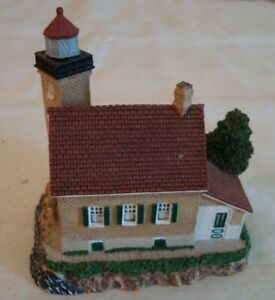 Harbour Lights EAGLE BLUFF Wisconsin #172 2001 Lighthouse NO BOX OR COA