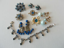 Color blue vintage small mixed jewelry lot, earrings, pins, bracelet, 8 pieces