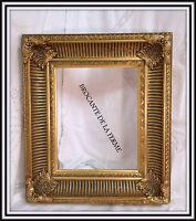 Cadre à cannelures contemporain en bois et stuc doré 20 x 25 cm