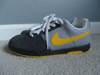 Nike 6.0 Vintage Air Mogan Grey/Yellow Boy/Girl's Sneakers Skate Shoes Size 6Y