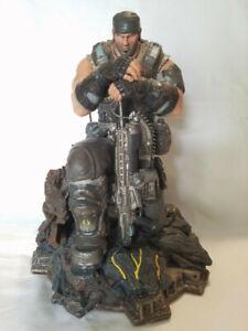 Gears of War Marcus Fenix 11 inch tall Statue
