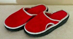 Isotoner slippers 6.5-7 red plush slip-on's spongy insole 1 1/4in wedge heel