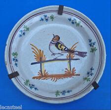 jolie assiette en faience de nevers - 19ème oiseau sur barrière