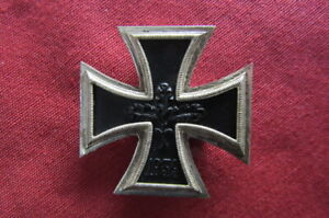 Medalla militar alemana Cruz de Hierro de I Primera clase 1939 versión año 1957