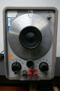 HP 200CD AUDIO GENERATOR - TESTED- WORKING WELL -CALIBRATED
