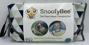 NEW SnoofyBee Portable Clean Hands Changing Pad 3-in-1 Diaper Mat Triangles NWT