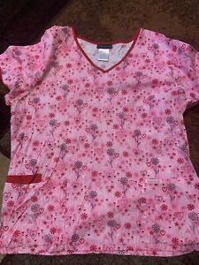 Cherokee Large Scrub Top Hearts And Flowers L