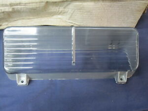 NOS 1970 Buick Wildcat Electra  Park Turn Light Lens GM 5962245 5962246