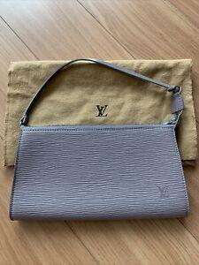 Auth LV LOUIS VUITTON Epi Pochette Accessoires Pouch Lilac M52948 Zip Bag Rare