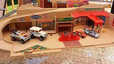 1979 MATTEL HOT WHEELS Service Center Garage  4 Cars Majorette Kidco Cast Iron