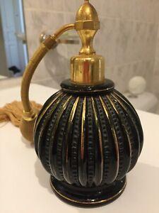 Vaporisateur à parfum  de Marque Marcel Franck.Décor à l'or,  peint à la main.