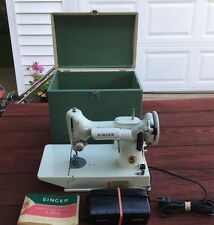 "MINT VTG SINGER WHITE FEATHERWEIGHT 221K SEWING MACHINE RED ""S"" 1964 with CASE"