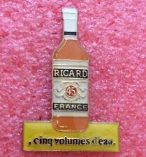 Pins Alcool RICARD Bouteille CINQ VOLUMES D'EAU