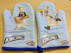 Wallace and Gromit Kingsmill Oven Mitts - New - Rare
