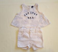 NWT BABY GAP GIRL FRENCH VANILLA FLORAL LOGO TOP & EMBROIDERED SHORTIE (12-18 M)