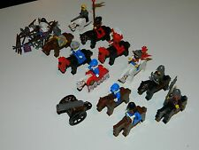 HUGE LOT OF 11 LEGO HORSES, KNIGHTS MINIFIGURES CALVARY AND ACCESSORIES