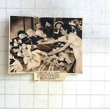 1937 Sorting Dolls At A London Factory For Christmas