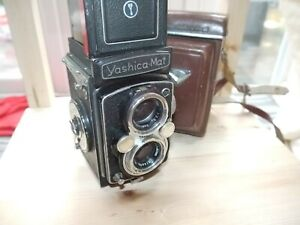 YASHICA MAT TLR CAMERA