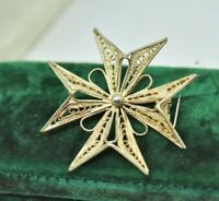 Vintage Sterling silver brooch pin with a filigree Maltese Cross design #P866