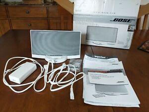 BOSE IPOD SOUNDDOCK DIGITAL MUSIC SYSTEM. WHITE. 277378129. SN035703960513818AE
