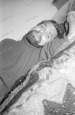 Portrait-strip-Posing-cute Bart-beard-sexy-Nude-Man-Boy-Bett-bed-26