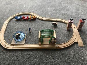 Brio Zoo Garden Set Track And Train
