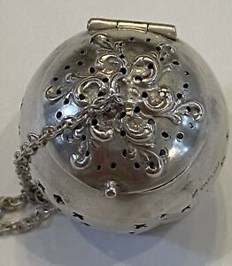 RARE La Pierre/ International Silver Sterling TEA BALL INFUSER - 1890s - No Mono