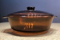 ANCHOR HOCKING OVEN / MICROWAVE 1.5 Qt. AMBER GLASS ROUND CASSEROLE DISH W/ LID