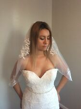 USA 1 Tier White/ivory Wedding Bridal Elbow Veil With Comb Lace Details