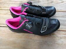 Bontrager Anara Women's Bicycling Road Shoe Size 8 US Black Pink Boa Fastener