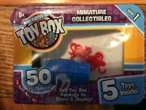 Toy Box Micro Miniatures - Barrel of Monkeys + 4 Unknown  - Factory Sealed