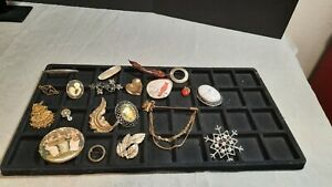 Vintage Brooch/Pin Lot Of 20 Costume Jewelry Assorted Variety & Styles