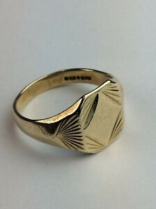 "Hallmarked Yellow 9ct Gold Signet Ring Size UK ""Q""  Ship Worldwide"