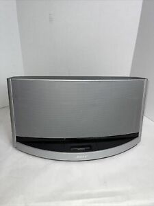 Bose SoundDock 10 digital music system with Bluetooth silver