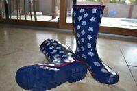 NCAA Arizona Wildcats  Women's Scattered Logo Rain Boots -Size 6