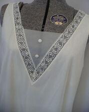 Vtg VANITY FAIR Antique White NYLON short Nighty Negligee Nightgown Sz Medium