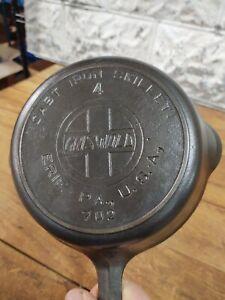 """Griswold #4 Skillet 702 Slant Logo with Heat Ring Seasoned 7"""" Breakfast Flat"""