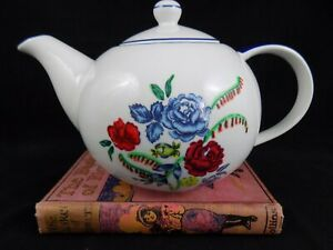 TP26 - Shabby Chic Pretty Floral Patterned China Teapot
