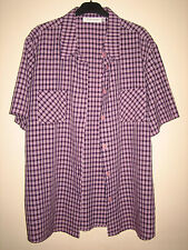 A STYLISH DESIGNER ( GINA LAURA ) PURPLE SHORT SLEEVE SHIRT SIZE LARGE