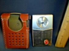 vtg RCA VICTOR TRANSISTOR RADIO with leather case T-TP-2J