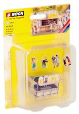 Noch HO 12025, Deko-Szenen am Kiosk, einfach auspacken und einbauen kleine Szene