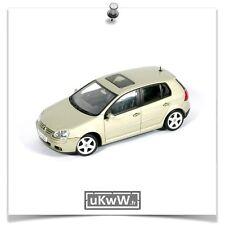 AutoArt 1/43 - VW Volkswagen Golf V 5 portes 2003 beige métallisé