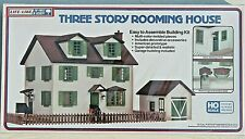 NIB HO Life-Like - THREE STORY ROOMING HOUSE 3