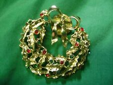 Vintage Goldtone Wreath With Holly & Enamel Berry Christmas Pin Back,Lapel Pin.